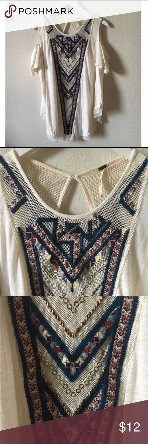 FP embroidered cold shoulder tunic FP cold shoulder tunic top.Size XS fits true.fair condition.minor staining ONLY on the inside (in pic) u cant see it on the back & there are no missing beads or threads on the front appliqué. No other staining. No trades-offers accepted!**EVERYTHING I SELL IS IN FAIR TO GREAT CONDITION.I WILL ALWAYS SPECIFY ANY WEAR/TEAR.MY PRICES ARE SO LOW BECAUSE I AM A STAY AT HOME MOM & AM TRYING TO MAKE EXTRA INCOME TO SUPPORT MY LITTLE FAMILY!THANKS FOR CONTRIBUTING…