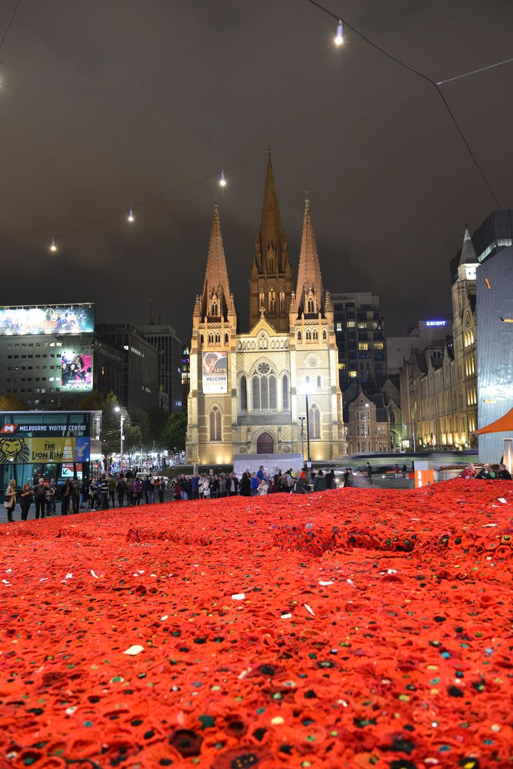 5000 poppies, Fed Square Melbourne, ANZAC day 2015