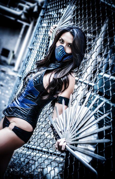 We Like Sex n' Comics • cosplayblog: Kitana from Mortal...