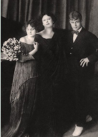 Isadora Duncan with sister Irma Duncan and the Russian Poet Essenin (her first and only husband).