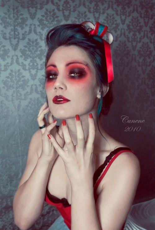 Maquiagem de Halloween: Sombra vermelha