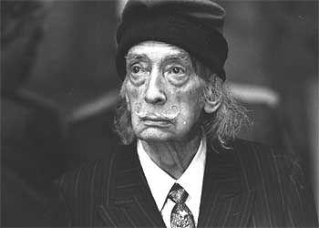 salvador dali su vida en fotos | Salvador Dalí, en la última etapa de su vida…