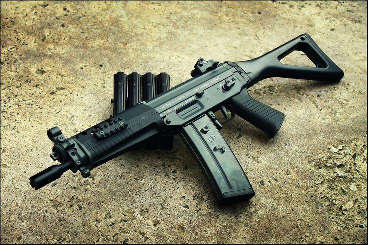 SWISS GUNS — dispicable-artist:   SIG Sauer 556 combat assault...