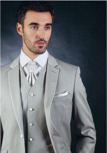 costume mariée gris claire