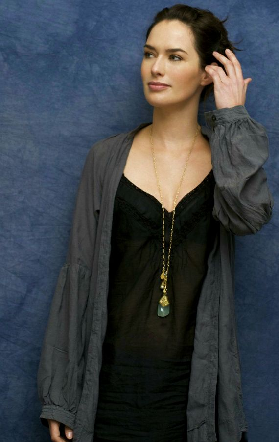 Lena Headey Fan Blog : Photo