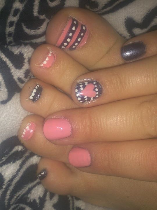I Love these nails and toenails... this talented girl did them on herself!!! isnt she fantastic or What!?!