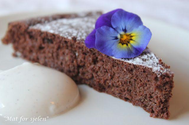 Oppskrift - Sjokoladekake med linfrømel