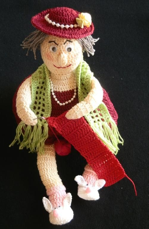 Crocheting: Christmas Ornament Crochet Pattern....I'm in love!! So adorable!! :)