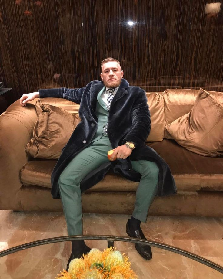 372.7 тыс. отметок «Нравится», 2,066 комментариев — Conor McGregor Official (@thenotoriousmma) в Instagram: «Relaxing in the big apple»
