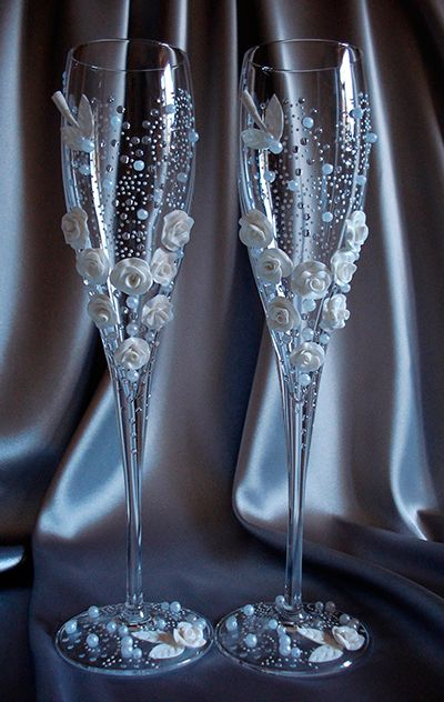 chic toast glass wedding