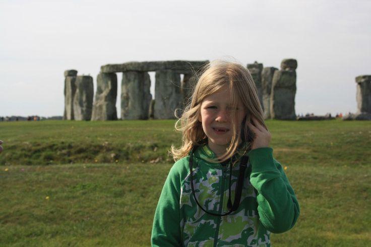 Auch für Kinder ist Stonehenge eine packende Erfahrung. (Stonehenge is a great experience for kids as well.)