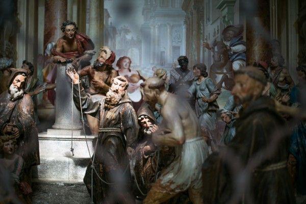 Le Sacro Monte et ses 20 chapelles qui racontent la vie de Saint François d'Assise.  #italie #sacro #monte