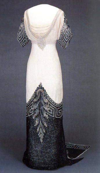 free run air max Worth   39 Arlesienne  39  Gown   Worn by Queen Maud of Norway  circa 1912 13  silk  glass and metal