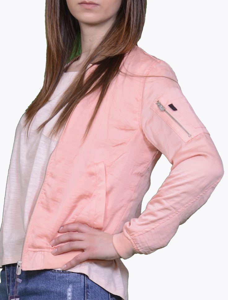 Jacheta Bershka Pink Jachete Jacheta Bershka roz, marime S, material bumbac 95% elastan 5%