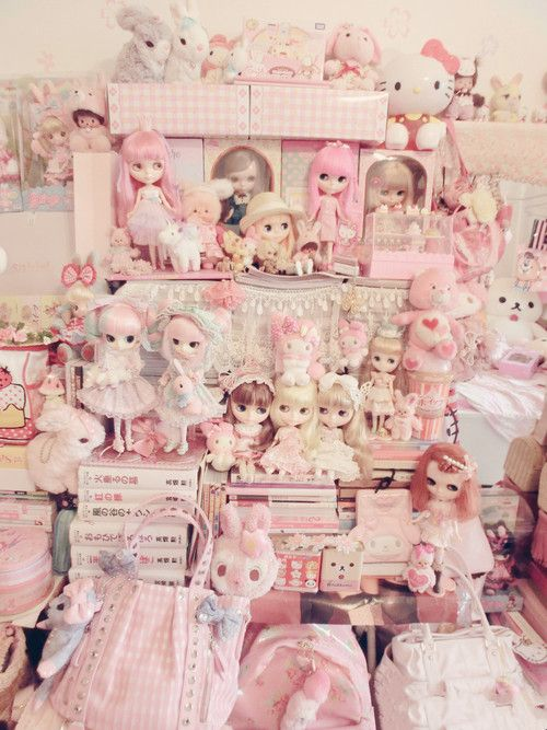 how to display my dolls and kawaii stuffs