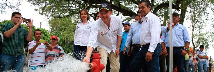 La revolución de la vivienda y el agua - A través de infografías, vídeos y mapas se muestra el interior de los programas de vivienda, agua y saneamiento básico del Gobierno Nacional, estos son liderados por el Ministerio de Vivienda y han logrado resultados históricos que han mejorado la calidad de vida de millones de colombianos y son un motor para la economía del país.