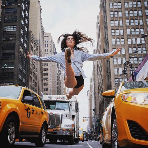 La danseuse Brittany Cavaco dans les rues de New York