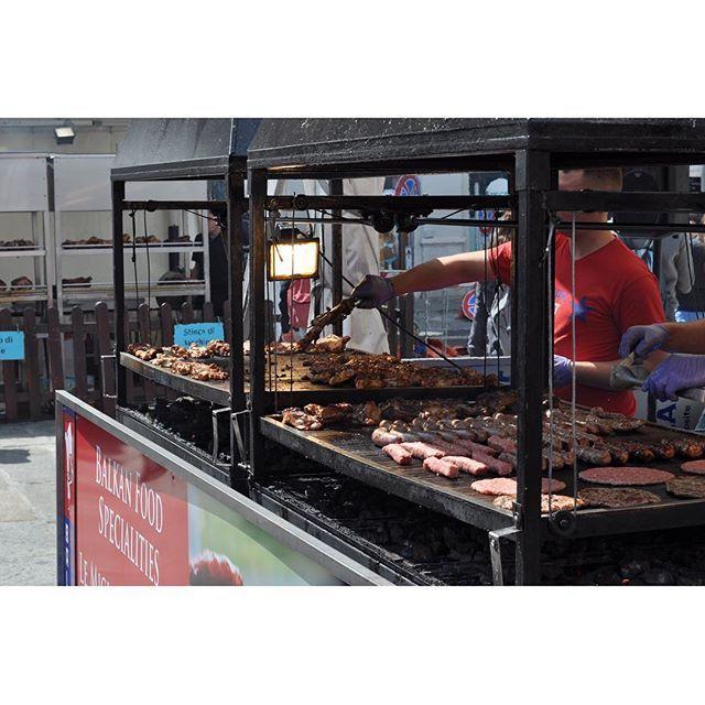 Meat meat meat🍖!! European food market, Trieste. トリエステのヨーロピアンフードマーケット #event #trieste #italy #food #market #europe #meat #foodporn #hungry #yummy #travel #travelphotography #instatravel #instafood #instaphoto #nikon #d5000 #nofilter #肉 #イベント #トリエステ #イタリア #旅行 #一眼レフ #写真好きな人と繋がりたい