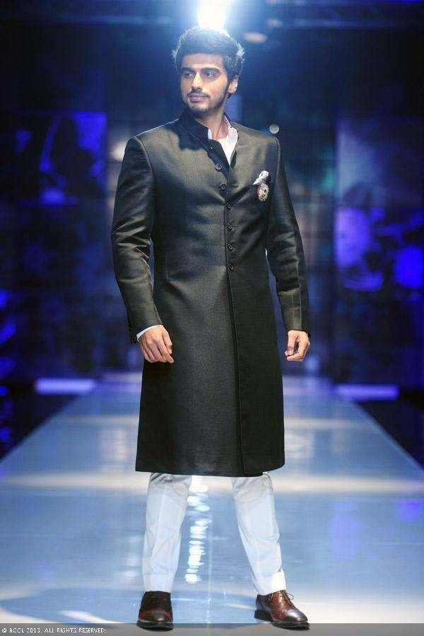 Awesome Traditional Indian Clothing Arjun Kapoor walks for Satya Paul at Delhi Couture Week 2013... Check more at http://24shopping.cf/my-desires/traditional-indian-clothing-arjun-kapoor-walks-for-satya-paul-at-delhi-couture-week-2013/