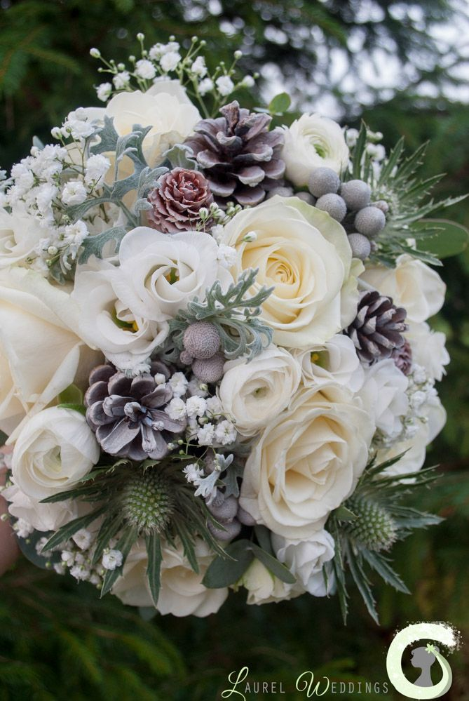 Winter weding bouquet - White, ivory and grey wedding bouquet with pine cones, dusty miller and brunia - Laurel Weddings