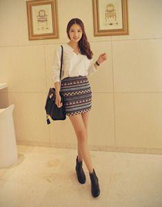 Today's Hot Pick :エスニック柄タイトミニスカート【BAGAZIMURI】 http://fashionstylep.com/SFSELFAA0023624/bagazimurijp/out エスニック柄タイトミニスカート。 秋にぴったりのプリントスカートです。 毎シーズン人気のエスニック柄が秋モードをアップ↑ スリムにフィットするタイトミニで女性らしい印象を与えます。 シンプルなシャツやTシャツとのコーデがおススメ◎ 流行に左右されないデザインで毎シーズン活躍します! ◆2色:ブラック/ベージュ