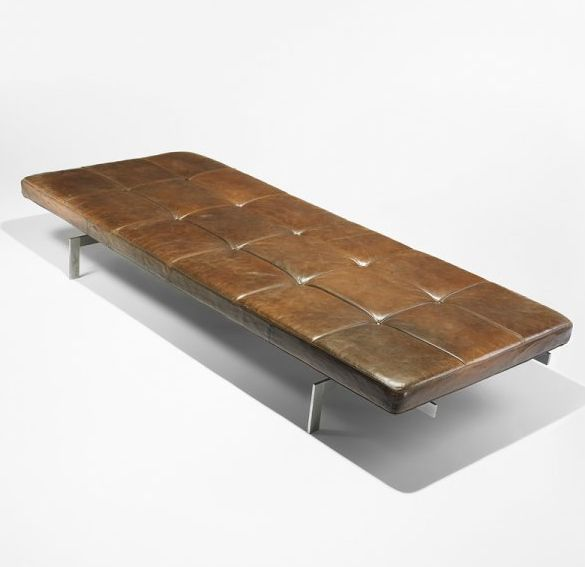 The PK80 lawn bed designed by Poul Kjaerholm for Fritz Hansen. Another truly classic modern design from Kjaerholm. Lesser known than Mies van der Rohe's daybed but at least as good, maybe even better.