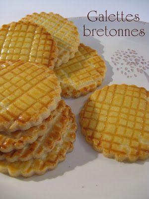 Les galettes fines bretonnes sont de savoureux biscuits de Bretagne riches en saveurs et en beurre. Croquantes à souhait, elles accompagn...