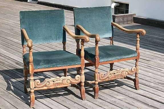 FINN – 2 stoler i eik renessanse