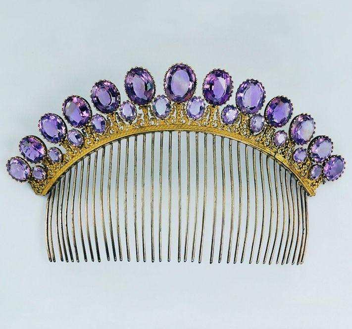 Amethyst hair comb/tiara c1805, photo by Günther Meyer