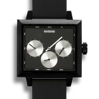Reloj Automático Satellite de 666 Barcelona, esfera negra y plateada, Caja cuadrada de acero negro IP, Correa de silicona negra. Doble Huso Horario. Ideal para los amantes de los relojes automáticos de diseño. http://www.tutunca.es/reloj-automatico-satellite-negro-y-plata