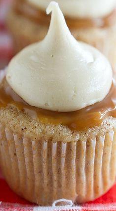 Caramel Apple Cupcakes #cupcakes #cupcakeideas #cupcakerecipes #food #yummy #sweet #delicious #cupcake