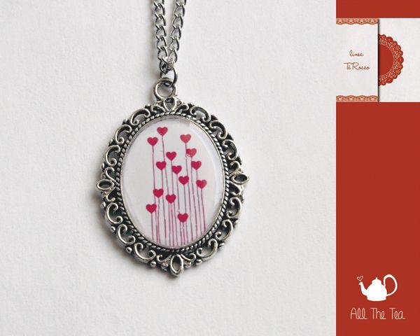 Collana con ciondolo cabochon in vetro handmade di All The Tea su DaWanda.com #AllTheTea #Dawanda #handmade #jewelry #DIY #ideas #gift #gifts #vintage #collana #cabochon #necklace #collar #unique #style #resin #glass #indie #hipster #teaparty #tealovers #stile #fattoamano #resina #vetro #gioielli #accessori #shabby #chic #lovely #inspiration #romantic #handmadewithlove #handgemacht #anhänger #pendant #accessoire #silber #schmuck #heart #red