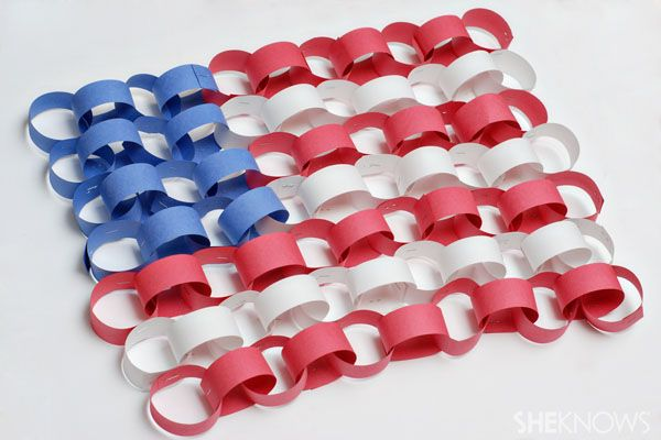Paper chain flag - Patriotic Memorial Day crafts