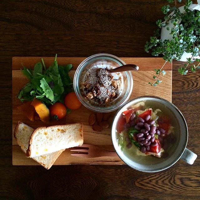 k.lico on Instagram pinned by myThings 2016.05.21 Sat. 朝ごはん。 ✴︎ ✴︎ レタスとトマトのスープ 自家製ヨーグルト ・ ・ #breakfast #foodpic #foodphoto #instagramjapan #instafood #kurashiru #delistagrammer #WECK #クローナ #朝ごはん #朝食 #おうちごはん #おうちカフェ #チアシード #とと朝ごはん #丁寧な暮らし