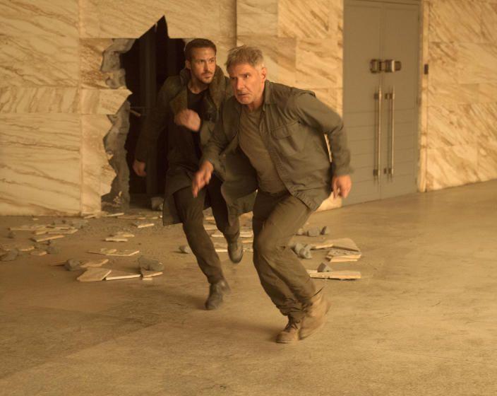 """""""Blade Runner 2049"""": Alle Zeit der Welt für den neuen Blade Runner - Ryan Gosling wandelt in """"Blade Runner 2049"""" auf Harrison Fords Spuren. Ein schön harter Film mit Botschaft – und Längen. Zur Filmkritik: http://www.nachrichten.at/freizeit/kino/filmrezensionen/Blade-Runner-2049-Alle-Zeit-der-Welt-fuer-den-neuen-Blade-Runner;art12975,2699495 (Bild: Sony)"""