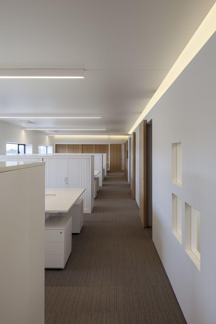 Samenwerking met Five AM - office square #white #interior #light #openspace