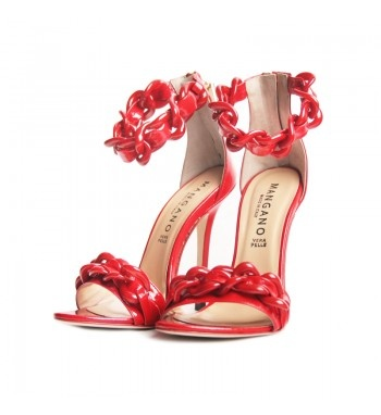 Patent leather shoes with chain details in abs.  http://shop.mangano.com/en/donna/16611-sandalo-dalhia.html  #shoes #fashion