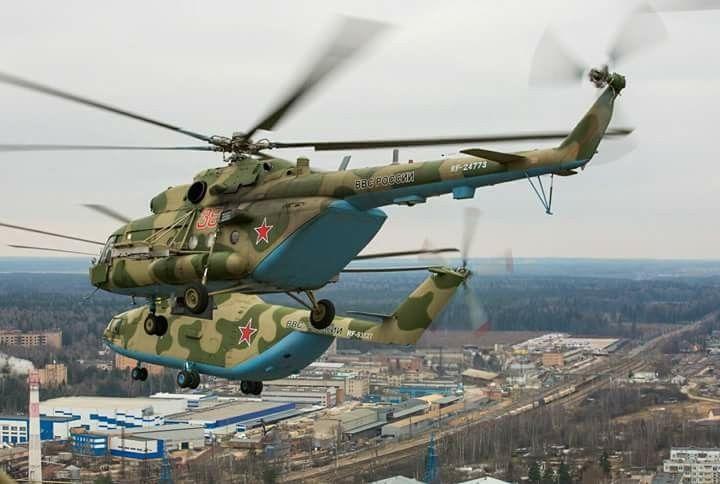 Mi-8AMTSh in flight with Mi-26