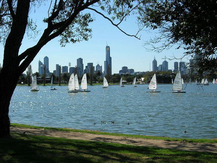 Sailing on Albert Park Lake