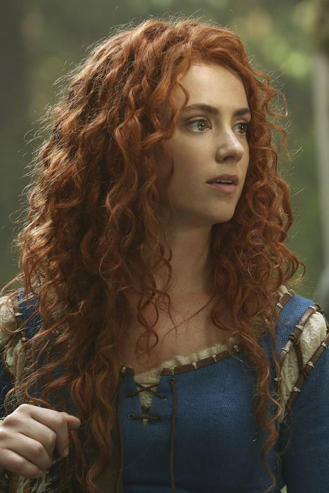 Can I just say that I love Merida in OUAT? They picked the perfect actress for this character.