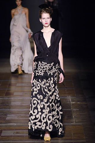 Dries Van Noten Spring 2006 Ready-to-Wear Collection Slideshow on Style.com