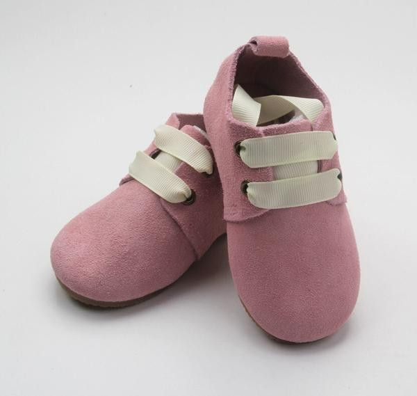 Absolutely beautiful soft suede leather classic shoe from Anchor & Fox.Made from the finest non toxic genuine leather with ribbon lace up fastening to make every kid a style icon. These shoes provide enough flexibility and support that baby's feet can grow properly and are excellent as first ...