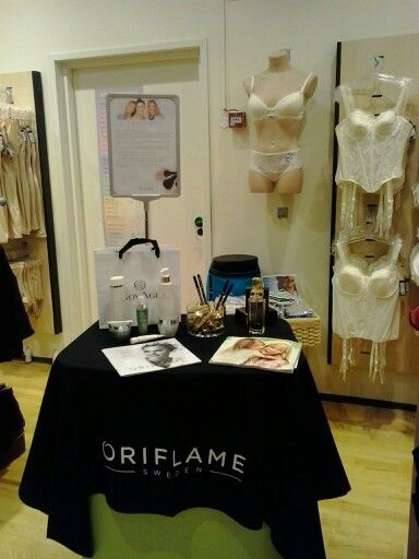 Today Oriflame meet Change Lingerie <3 Nice day at bussiness. #Oriflame
