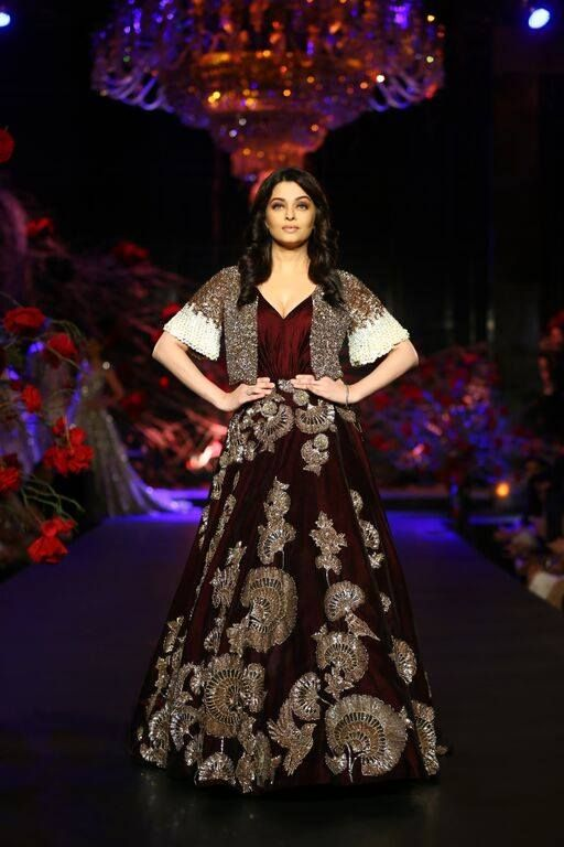 Aishwarya Rai for Manish Malhotra at AICW 2015