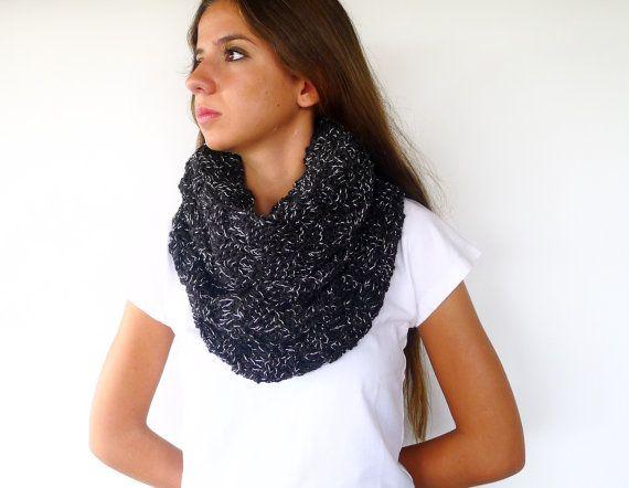 Cuello de punto hecho a mano. Bufanda negra. Bufandas de lana originales. Bufandas tejidas para mujer. Ideas para regalar para ella