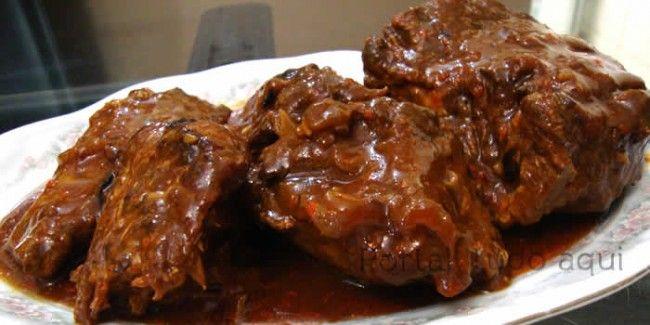 Receita rápida de carne na cerveja preta com creme de cebola
