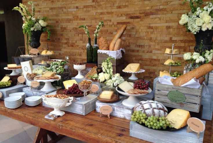 Mesas, Sillas, Globos gigantes, Mesas Altas, Salas, Flores y más... | Mesa de postre, salado y quesos