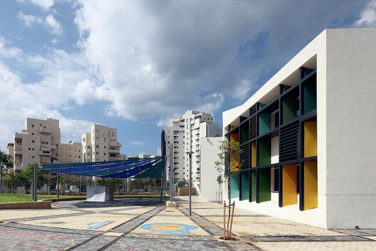 Elementary School in Tel Aviv,© Uzi Porat