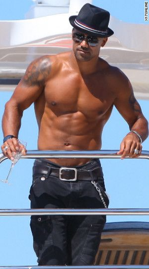 Shemar Moore is a work of art. Loved him on the Young and the Restless. He can come back now! More