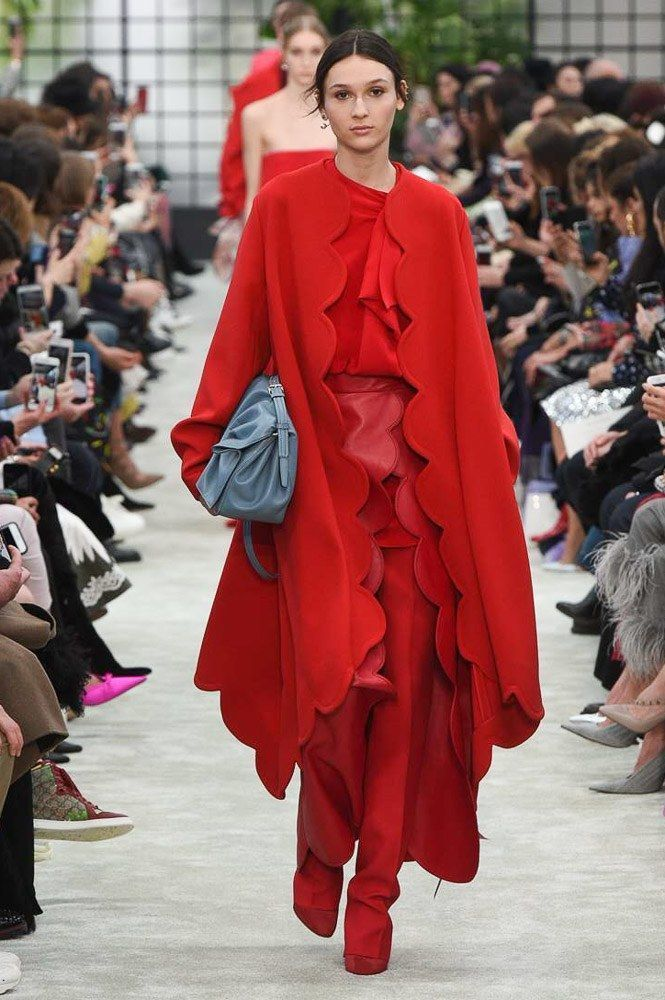 The complete Valentino Fall 2018 Ready-to-Wear fashion show